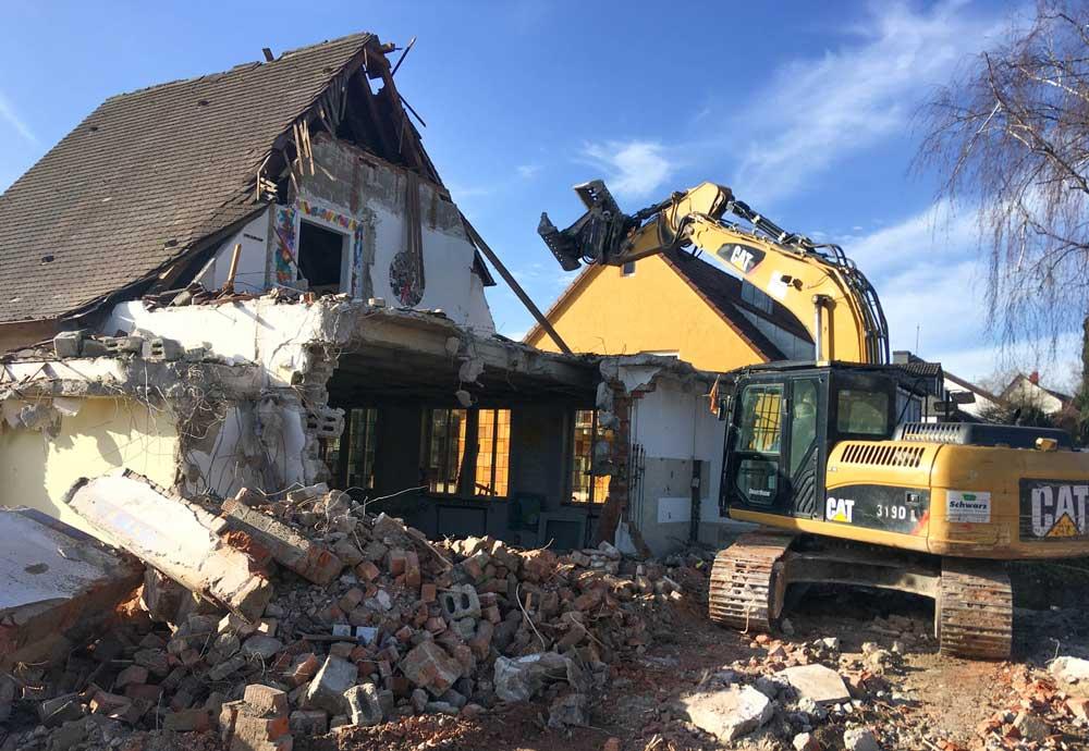 Abbruch eines Wohnhauses in Ditzingen